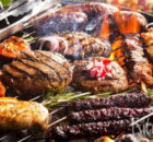 Zo organiseer je een barbecue voor een grote groep