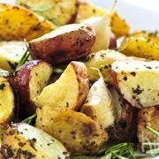 Geroosterde aardappeltjes met tijm en rozemarijn