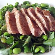 Waterkerssalade met gegrilde tonijn