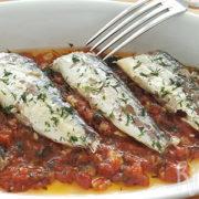 Sardines met gekonfijte tomaat en knoflook