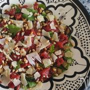 Salade met gegrilde groenten en carpaccio
