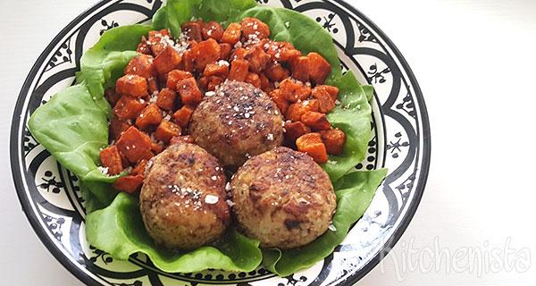 Kipgehaktballetjes met groene kruiden en sjalot
