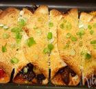 Gegratineerde tortillawraps met biefstuk