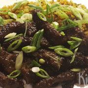 Sticky beef met gember en gebakken rijst