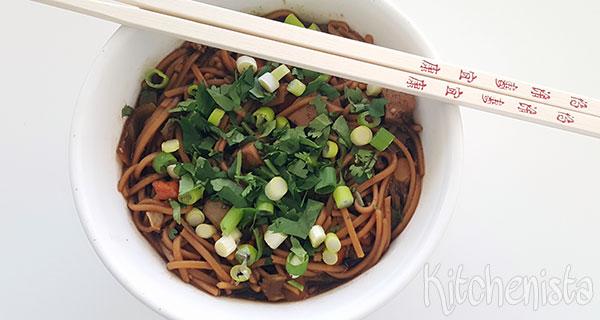 Noedelsoep met groenten en tofu