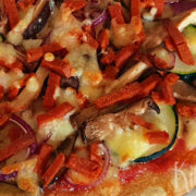 Vegetarische pizza (met courgettebodem)
