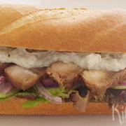 Stokbrood met gegrilde tonijn en remoulade