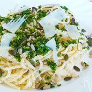 Spaghetti met gremolata, ricotta en pitten