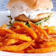 Superknapperige friet van zoete aardappels