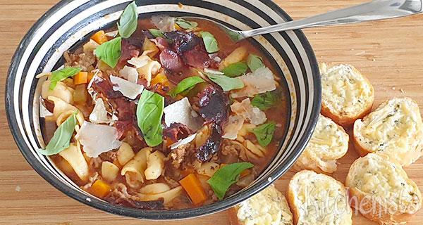 Tomatensoep alla bolognese met tortellini