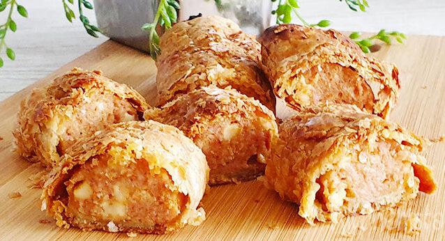 Simpel hapje: grillworst met kaas in bladerdeeg