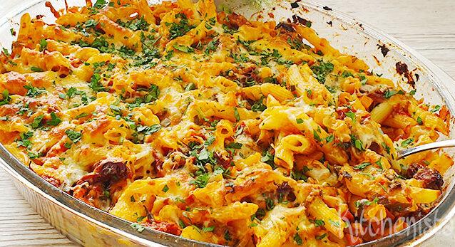 Pasta met zongedroogde tomaatjes en groenten