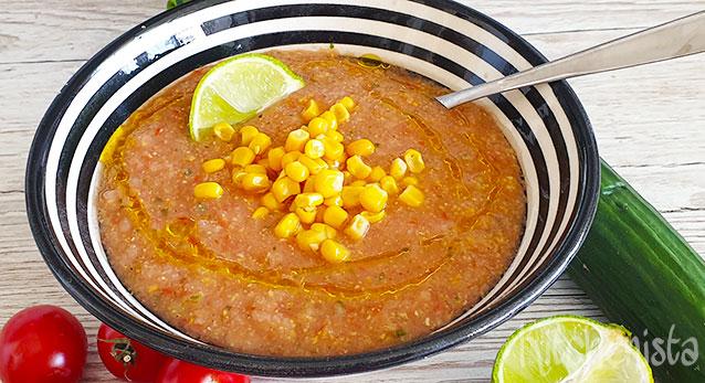 Gazpacho van tomaten, komkommer en maïs