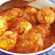 Sambal goreng telor – eieren in pittige saus