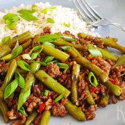 Szechuan roerbak met sperziebonen en gehakt