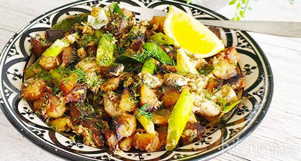 Zalm, aardappel en bosui eenpansgerecht